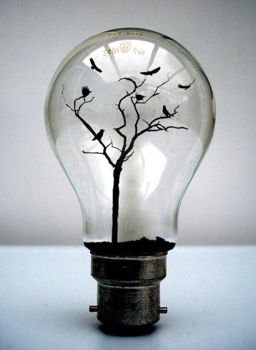Light bulb (by liljackslate)