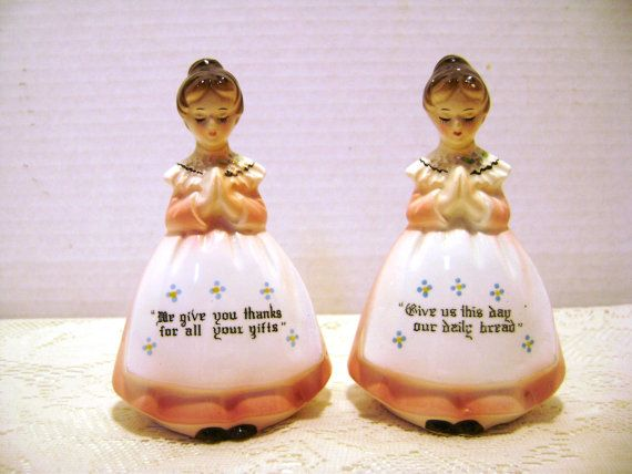 Vintage Salt and Pepper Shakers Prayer Ladies Meal by junquegypsy, $15.00: Salts Peppers Shakers, Salt Pepper Shakers, Vintage Salts, Misc Shakers, Peppers Peppers, Peppers Shacker, Shakers Prayer