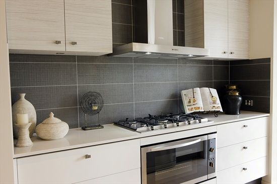 Display Home Kitchen Note The Tile Splashback For The Home