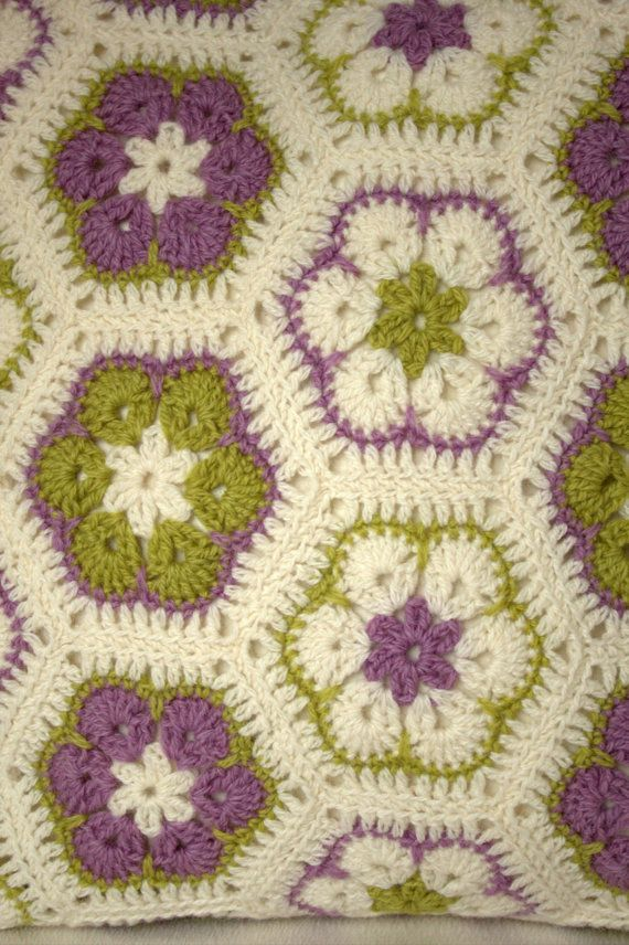 African Flower Hexagon Crochet Pattern Free : 235 best images about African flower crochet on Pinterest ...