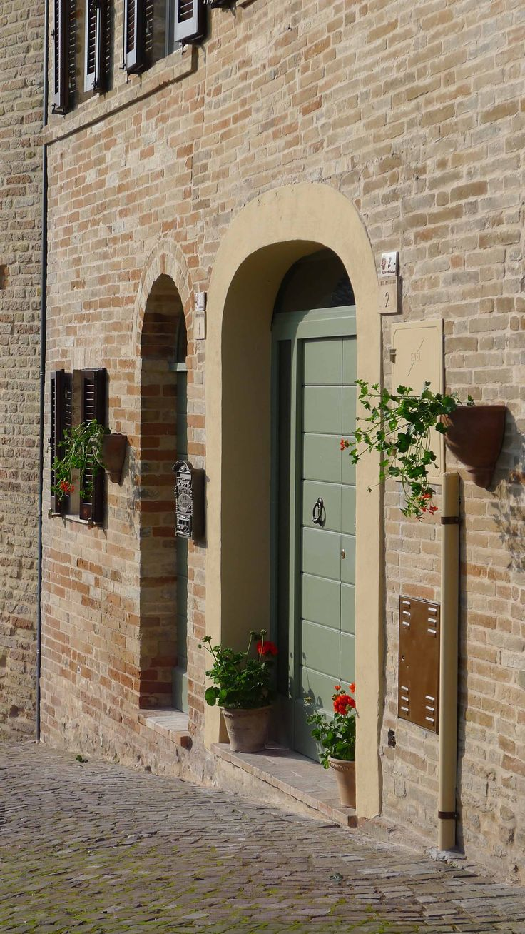 Casa Tre Archi- Front Door. Urban Living