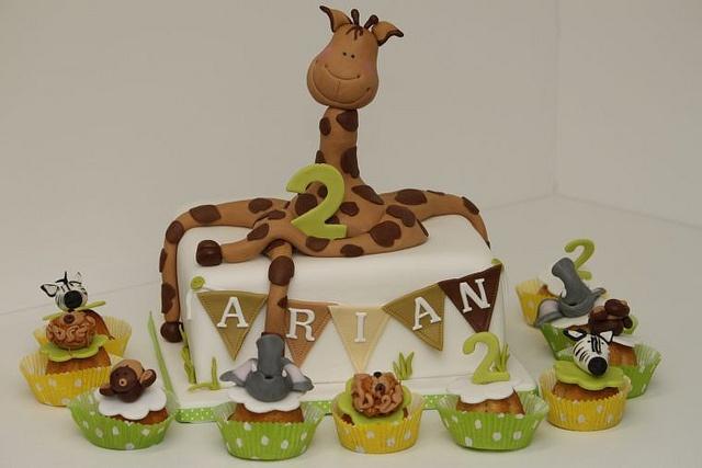kindergeburtstagstorte zoo afrika mit muffins by suess und salzig via flickr torten f r. Black Bedroom Furniture Sets. Home Design Ideas