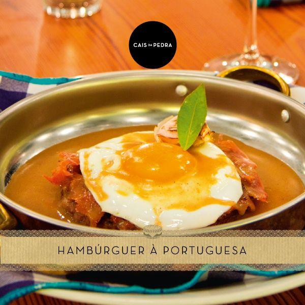 Novo hambúrguer à portuguesa no prato no Cais da Pedra. Parece delicioso!   https://www.facebook.com/oblogdohamburguer