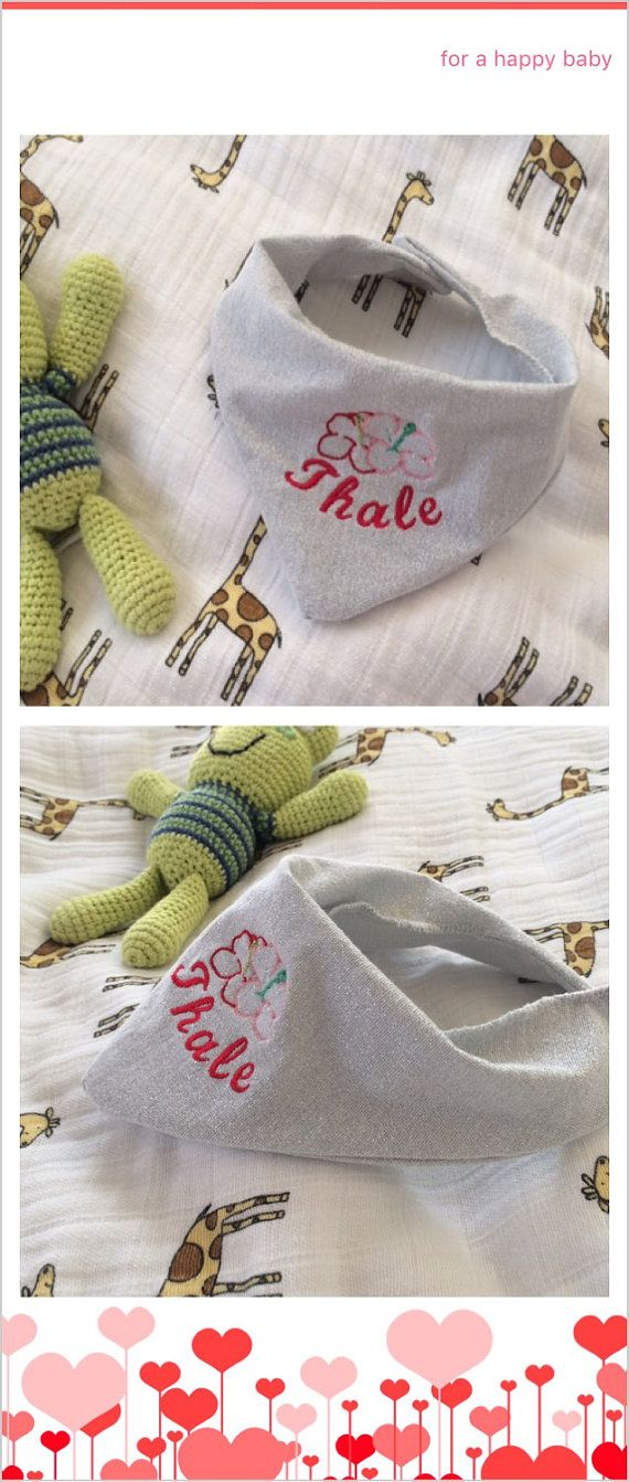 Baby bibs with text and picture embroidered as desired by multisaker. Explore more products on http://multisaker.etsy.com