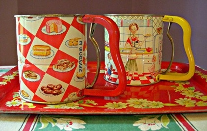 Cute vintage sifters. Yes, I collect these also. I actually have both of these.