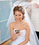 свадебная прическа, прическа на свадьбу, невеста, прическа на русые волосы, сборы невесты, свадебный стилист, стилист, свадебный макияж, нежный макияж