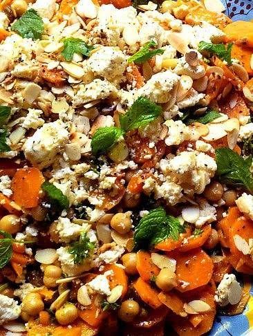 Marokkaans Gekruide Wortel & Kikkererwt Salade Met Munt recept | barefootstyling.com