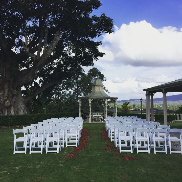@topiariesatbeaumont outdoor ceremony venue with amazing views of Samford Valley at Topiaries at Beaumont