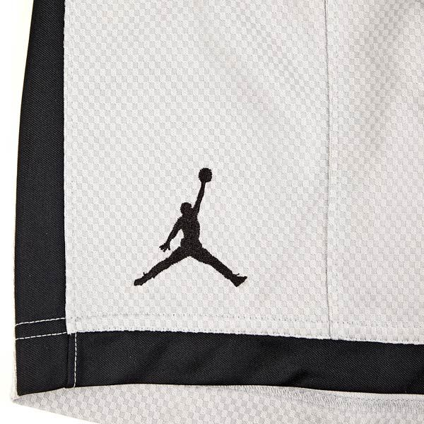 JORDAN CROSSOVER SHORT WOLF GREY/BLACK/BLACK