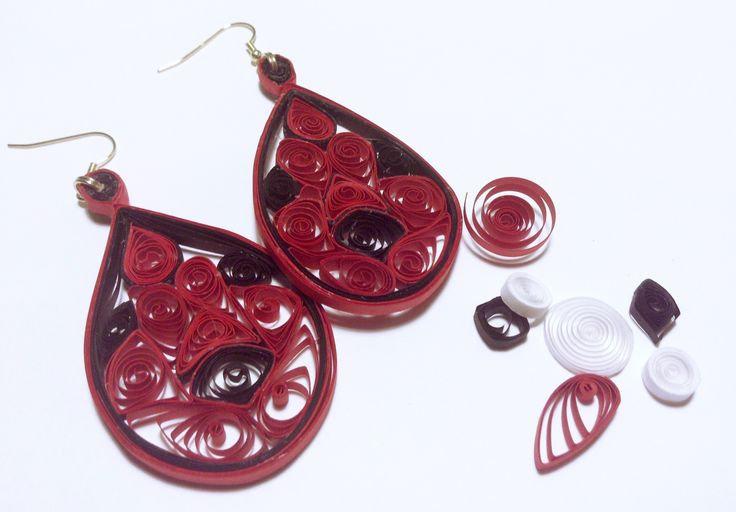 Quilling earrings - orecchini in tecnica quilling - #paper #papercraft #quilling #earrings #jewels
