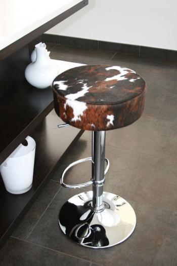 les 25 meilleures id es de la cat gorie chaise en peau de vache sur pinterest chaise turquoise. Black Bedroom Furniture Sets. Home Design Ideas