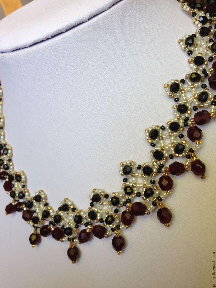 """Купить Колье """"Виктория"""" - бордовый, колье с кристаллами, колье из бисера, Сваровски, кристаллы, ожерелье"""