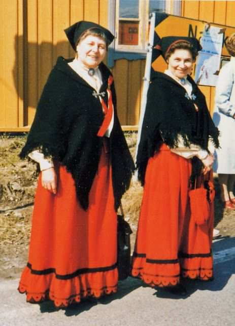 FolkCostume&Embroidery: Overview of Norwegian costume, part 4 The North. Lyngen