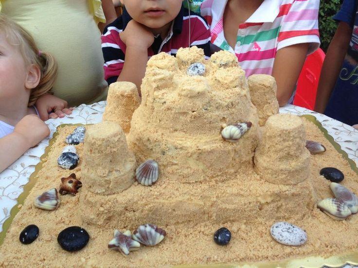 Sand castle cake!!