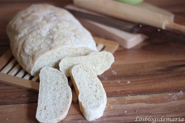 Exquisito pan casero hecho en el horno solar