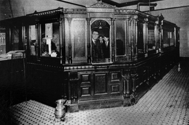 1920s banks Google Search Bonnie & Clyde Pinterest
