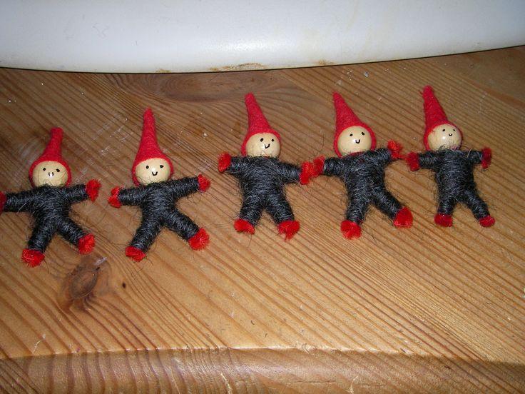 yarn elfs for christmasdecoration
