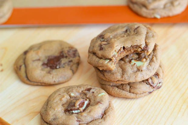 Soft-Baked Andes Mint Chocolate Chunk Cookies by sallysbakingaddiction.com