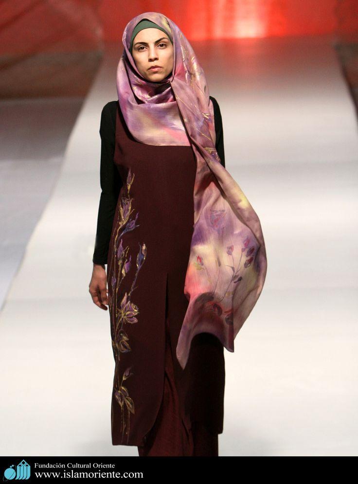 Mujer musulmana y desfile de moda - 45 | Galería de Arte Islámico y Fotografía