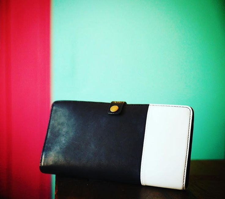 Awesome travel wallet from STUFFORHUMANS