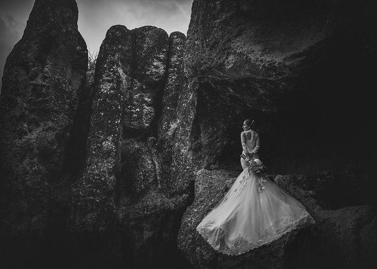 Портрет невесты в рост +локация. Автор:  Carlos Medina / Mazatlan, Mexico
