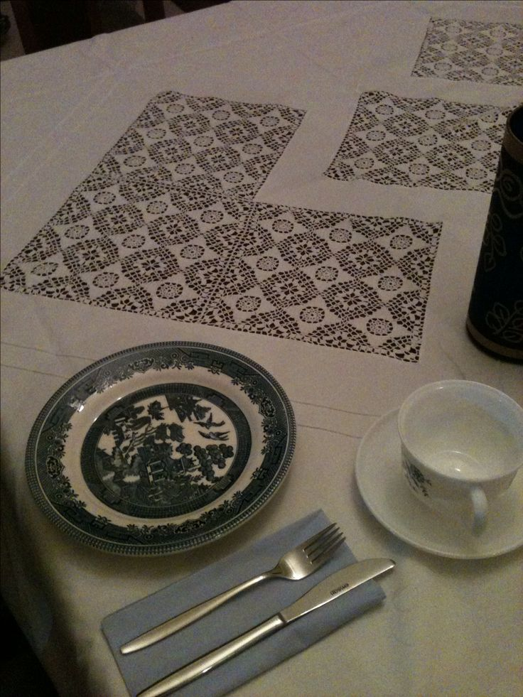 Yemek masası örtüsü..