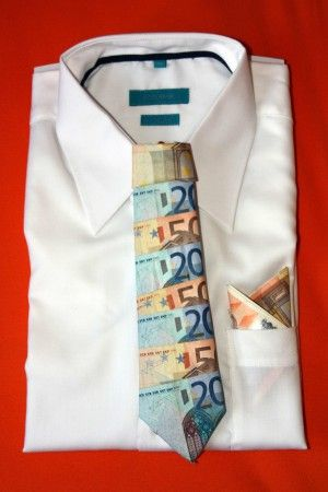Money gift - tie