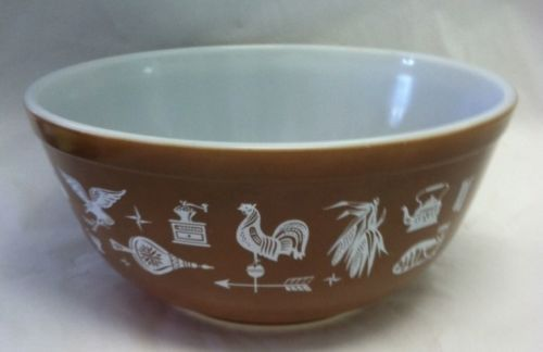 Vintage Pyrex Early American Brown and White 2 1 2 Quart Mixing Bowl 403   This was a test pattern and is very rare