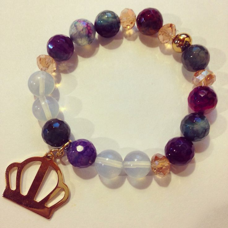 Agate and opal bracelet by Luz Marina Valero