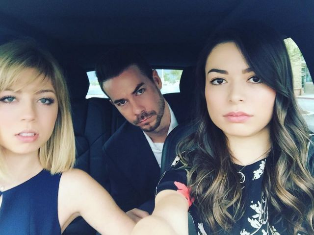 "There Was an Epic ""iCarly"" Reunion at Nathan Kress' Wedding!  - Seventeen.com"
