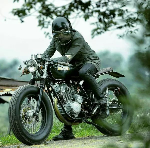 www.caferacerpasion.com #motorcycles #caferacer #motos | caferacerpasion.com