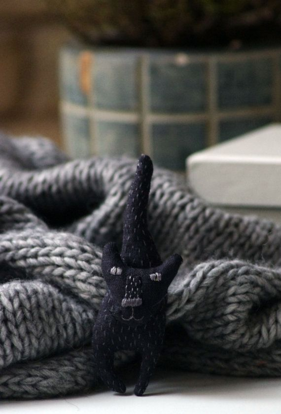 Black cat. Brooch. от adatine на Etsy