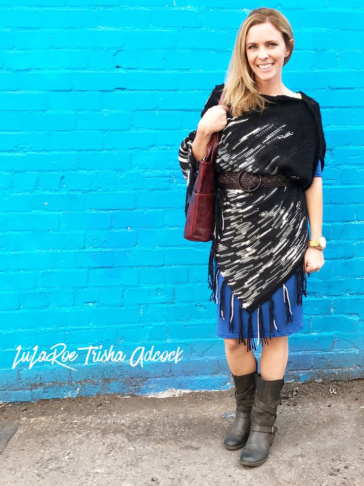 Strolling downtown we came upon this blue wall and I just couldn't resist the photo opp!  Love the LuLaRoe Mimi and Julia combo! Belted or warn loose you can't loose with this gorgeous combo!   Click on the photo to shop my group!  https://www.facebook.com/groups/LuLaRoeTrishaAdcock/