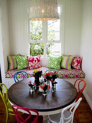 breakfast nook: Kitchens Interiors, Breakfast Nooks, Chairs, Colors Mixed, Kitchens Dining, Dining Spaces, Kitchens Nooks, Window Seats, Bright Colors
