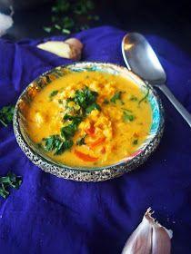 zupa z czewronej soczewicy, tajska zupa, wegańska zupa, zupa kokosowa, zupa z mleczkiem kokosowym, wegańska zupa z soczewicą, zupy na przyjęcia