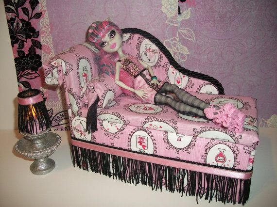 Furniture for Monster High Dolls Handmade Chaise Lounge Bed for Scaris Rochelle  with Bolster Pillow Table and Working Lamp
