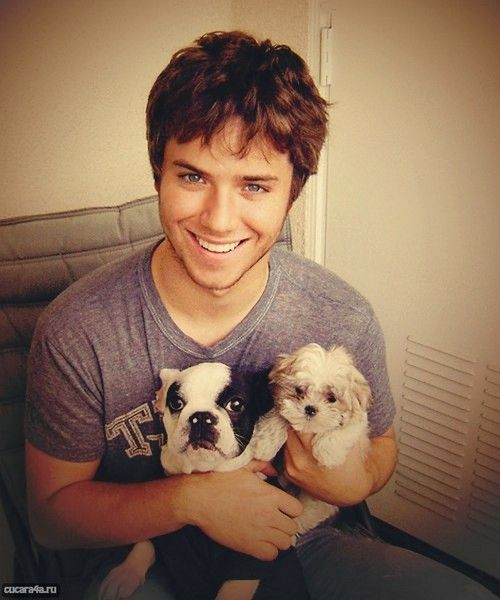 Jeremy Sumpter oh my sweet lordddd