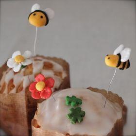「砂糖細工の蜂とお花」joli!joli! | お菓子・パンのレシピや作り方【corecle*コレクル】