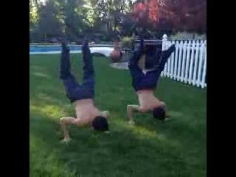 Ethan and Grayson Dolan!!! Vine: Twin Grind on Me. I swear I'm in love <3 <3 <3