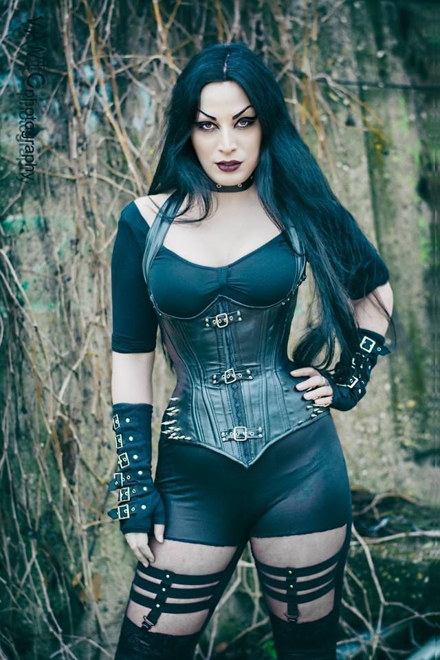 Model: Kali Noir Diamond Photo: Vanic Photography Welcome to Gothic and Amazing | www.gothicandamazing.org