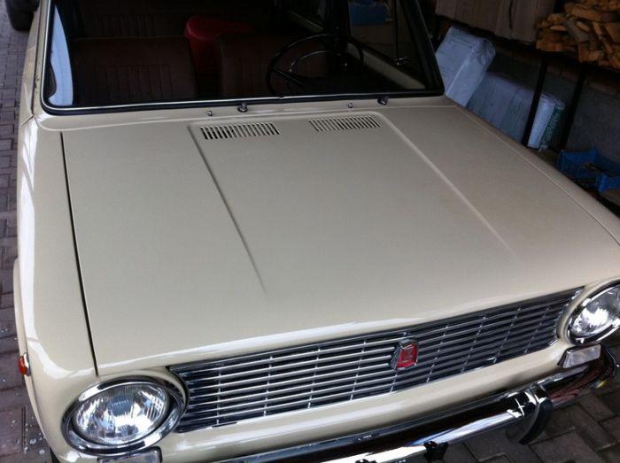 Lada  Igazi csodát találtak egy elhagyott garázsban