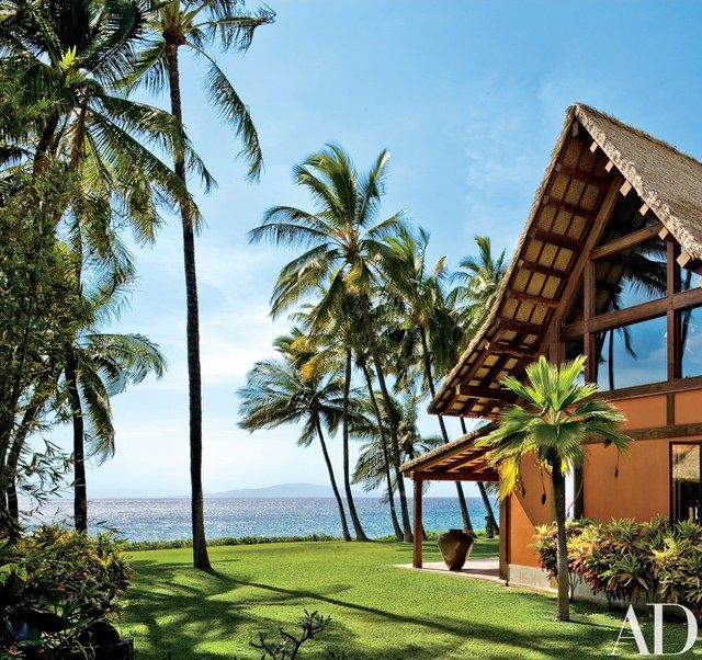 """""""You can see the trade winds coming toward you across the surface of the ocean,"""" says architect Thomas A. Kligerman, of Ike Kligerman Barkley, who incorporated a romanticized Hawaiian aesthetic into the Maui retreat of film director-producer Richard Donner and his wife, producer Lauren Shuler Donner"""
