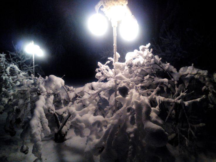Lunta tulvillaan on nyt koko maa....nautitaan