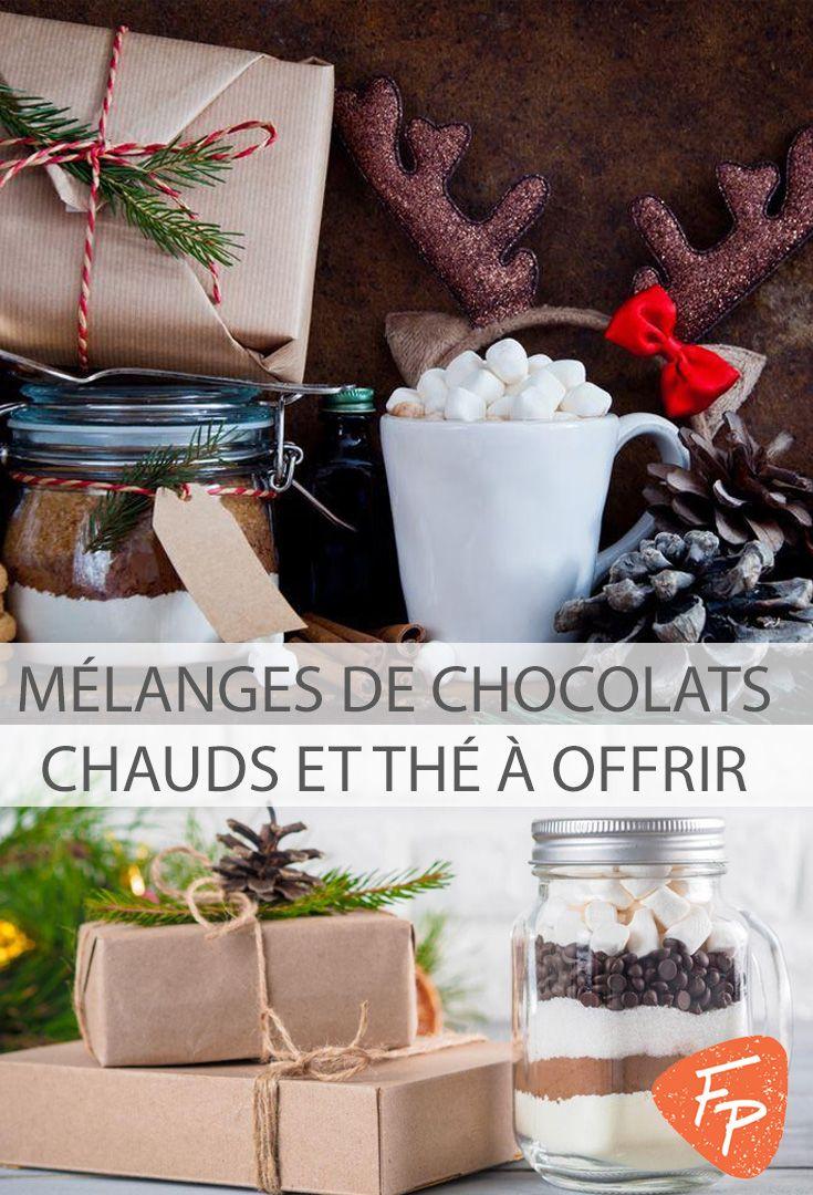 Vous cherchez une idée originale pour un cadeau de Noël gourmand? Préparez ces délicieux mélanges secs de chocolat chaud et à thé chaï!
