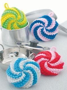 dish scrubby - free crochet pattern - Ooo, I just started crocheting with grocery bags, and I would love to try this pattern with the grocery bag strips to replace tougher scrubbies like steel wool pads. Great find Kerri!