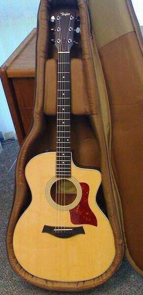 Vendo guitarra taylor 214ce nueva. Con estuche original.