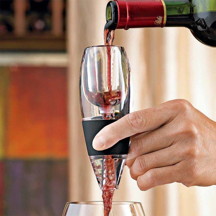 Magic Wine Decanter  Geef deze decanter cadeau in de luxe verpakking in plaats van een wijnfles. Schenk er witte of rode wijn in!  EUR 14.95  Meer informatie  http://ift.tt/2kbJxKU #gadgets