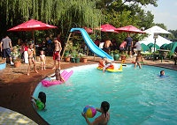 Stonehaven's pool ideal for the kids while mom's and dad's look on from their poolside lunch table at the Vaal River.