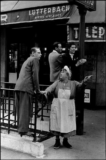 Paris 14 juillet 1953 près de Bastille Inge Morath © The Inge Morath Foundation