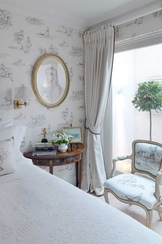 Expert tips on making up a bed - from sheets to duvets to mattresses (houseandgarden.co.uk)